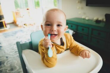 Safe positioning when feeding your baby solids