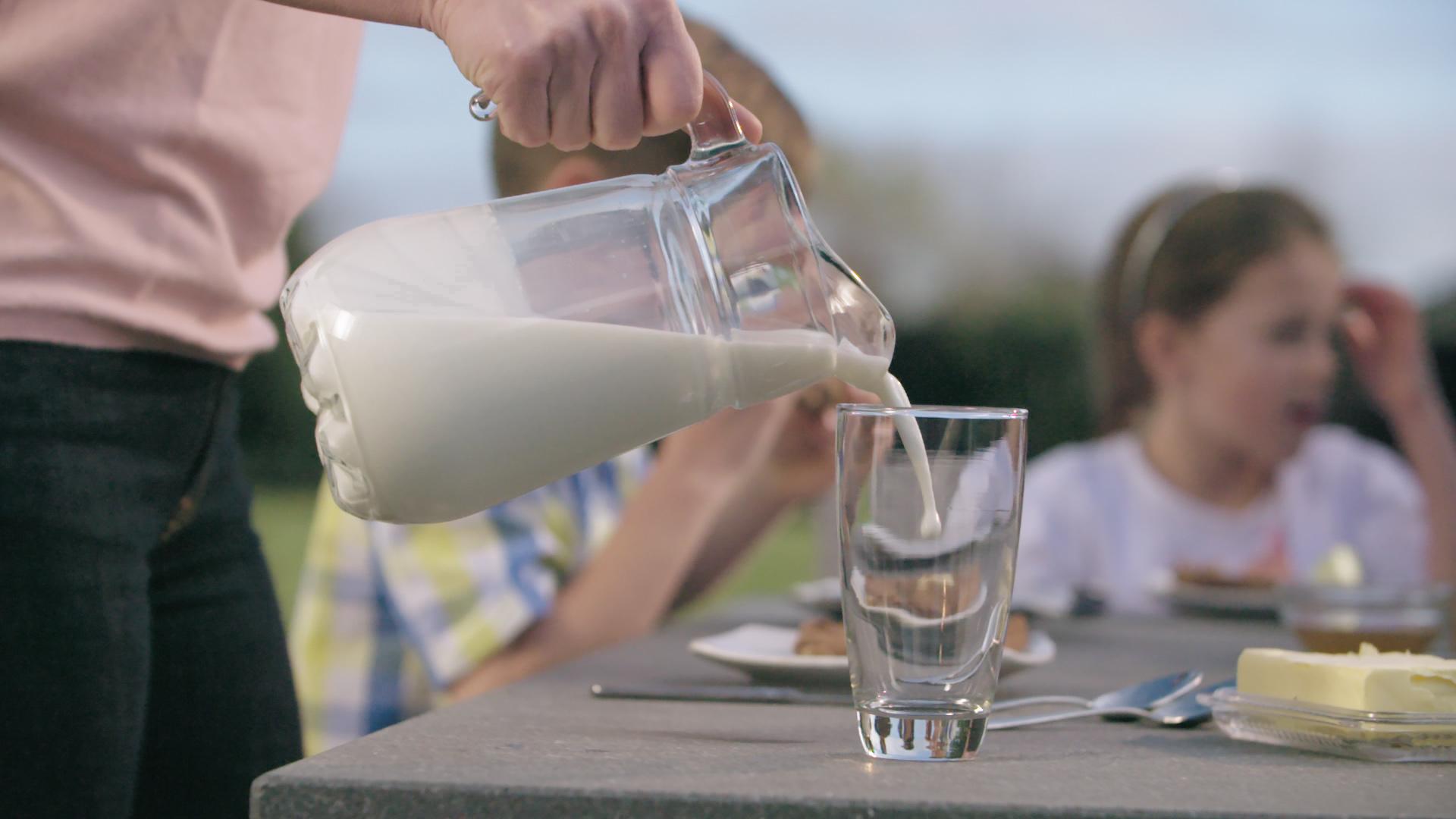 Sữa Hữu Cơ Giúp Bảo Vệ Môi Trường Như Thế Nào?